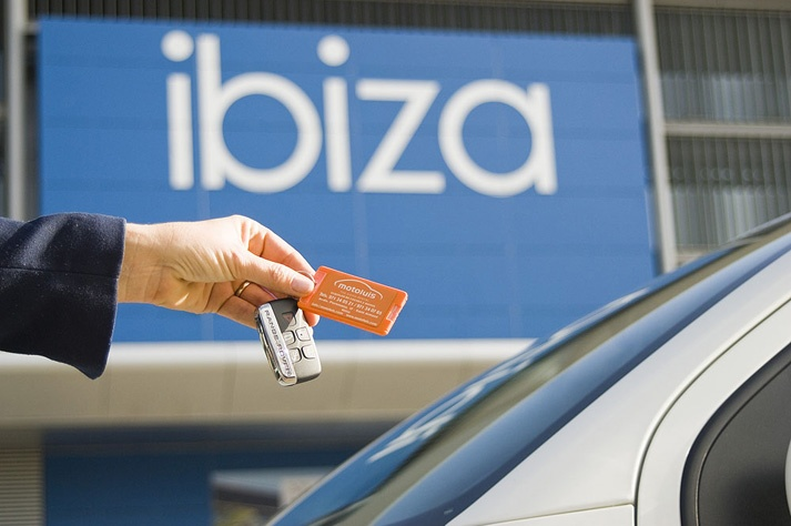 alquiler coche Ibiza aeropuerto terminal moto luis best car rental Ibiza airport pick-up